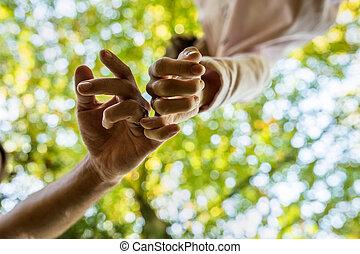 περίπατος , γυναίκα , αγάπη , δάκτυλα , σήμα , κατά μήκος , δάδα από στουπί και πίσσα , στοργή , άντραs