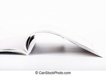 περιοδικό , ανοίγω