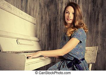 πιάνο , αυτοσχεδίαση