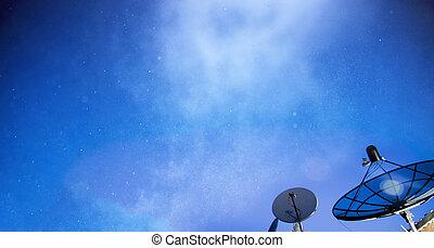 πιάτο δορυφορικής κεραίας , κάτω από , αστερόεις , άγνοια κλίμα