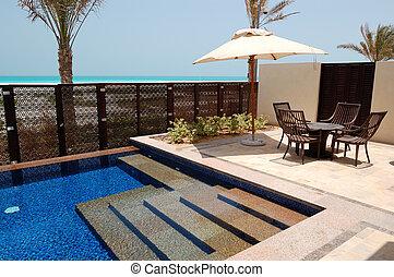 πισίνα , κοντά , παραλία , από , ο , πολυτέλεια , ξενοδοχείο , saadiyat, νησί , abu dhabi , uae