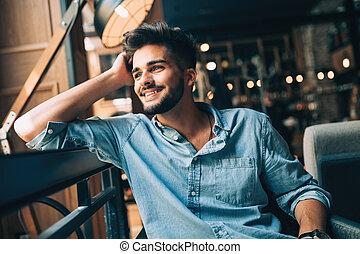 πορτραίτο , από , νέος , ωραία , άντραs , μέσα , γαλάζιο πουκάμισο