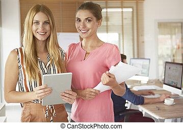 πορτραίτο , δυο , γραφείο , γυναίκεs