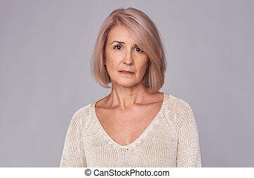 πορτραίτο , μέσο , γυναίκα , ηλικιωμένος , άθυμος