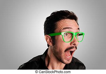 πράσινο , γυαλιά , σκούξιμο , άντραs