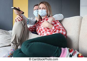 προστατευτικός , κάθονται , ιατρικός , αγρυπνία tv , αποκρύπτω , γυναίκα , καναπέs , άντραs