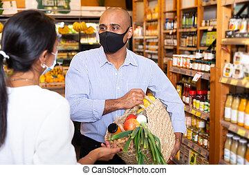 προστατευτικός , λόγια , μάσκα , κατά την διάρκεια , ψώνια , γυναίκα , υπεραγορά , άντραs