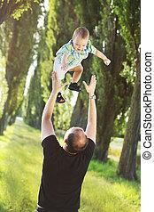 προστατευτικός , πατέραs , παίξιμο , υιόs