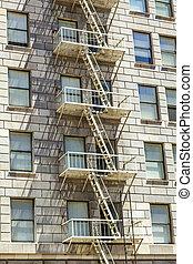πρόσοψη , από , ιστορικός , ουρανοξύστης , στην πόλη los angeles , με , έξοδος κινδύνου , σκάλεs