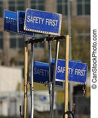 πρώτα , ασφάλεια , σήμα