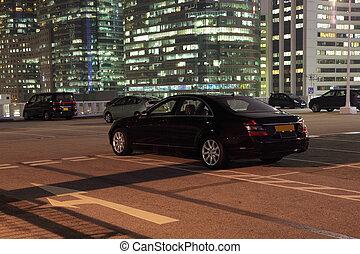 πόλη , άμαξα αυτοκίνητο , θέση παρκαρίσματοs , νύκτα