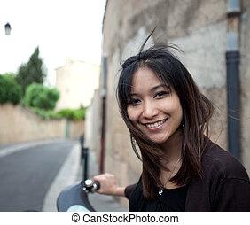πόλη , γυναίκα , δρόμοs , δουλειά , νέος , ποδήλατο , μετάβαση , όμορφη , μικρό , σπίτι , χαμογελαστά
