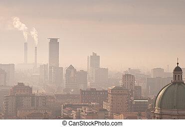 πόλη , μίγμα καπνού και ομίχλης