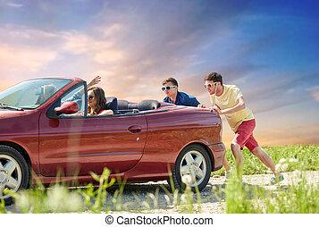 σπασμένος , ανοιχτό αυτοκίνητο , δραστήριος , φίλοι , αυτοκίνητο