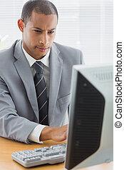 συγκεντρωμένος , επιχειρηματίας , χρησιμοποιώνταs , comp