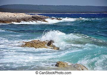 συντριπτικός , παραλία , βραχώδης , ανεμίζω