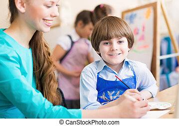 σχολική αίθουσα , δασκάλα , σπουδαστής