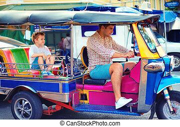 ταξί , πόλη , περιηγητής , οικογένεια , παραδοσιακός , αστείο , ασιάτης , tuk-tuk, έχει , ευτυχισμένος