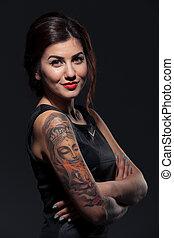 τατουάζ , γυναίκα , αυτήν , νέος , ελκυστικός , ανάμιξη , χαμογελαστά