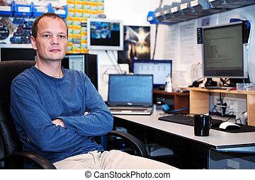 τεχνίτης , ηλεκτρονικός υπολογιστής