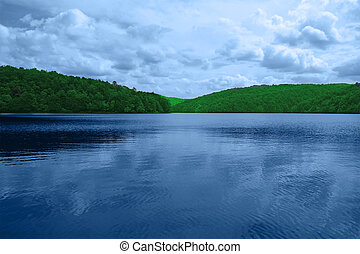 τοπίο , αποτελούμαι , από , βουνά , και , lake., ο ,...