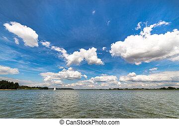 τοπίο , με , λίμνη , μέσα , καλοκαίρι , - , γαλάζιος ουρανός