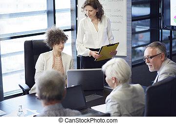 τράπεζα συνεδρίου , σύνολο , αρμοδιότητα εργάζομαι αρμονικά με
