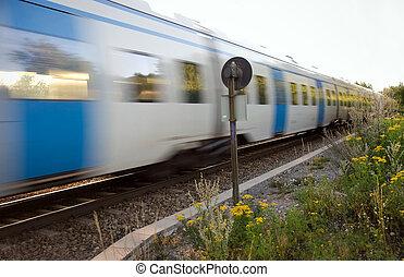 τρένο , ταξιδεύων με εισητήριον διάρκειας