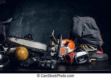 τραπέζι , ενδυμασία , οξυγόνο , chainsaw , ασφάλεια αποκρύπτω