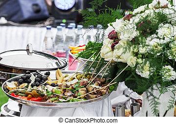 τραπέζι , μεζέδεs , εορταστικός