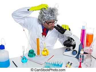 τρελός , τρελός , nerd , επιστήμονας , σε , εργαστήριο μικροσκόπιο