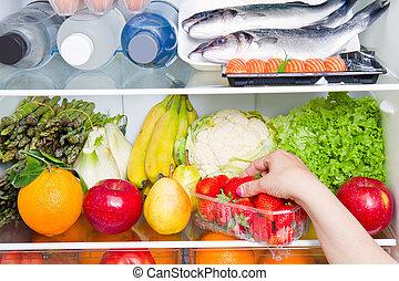 τροφή , γεμάτος ψυγείο