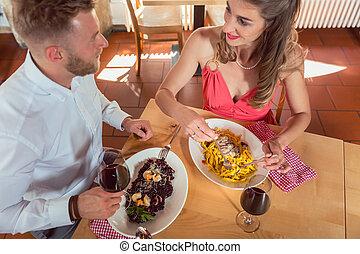 τροφή , ζευγάρι , κατάλληλος για να φαγωθεί ωμός , εστιατόριο