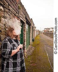 τσιγάρο , γυναίκα , ηλεκτρονικός , ώριμος , κάπνισμα