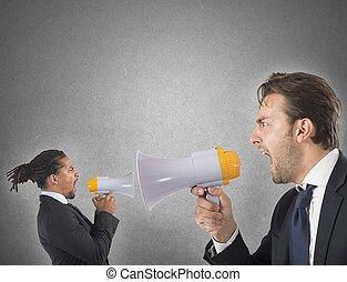 υπάλληλος , δυνατή φωνή , εναντίον , αφεντικό