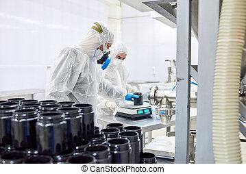 φαρμακευτικός , εργοστάσιο , δουλευτής , χρησιμοποιώνταs , κλίμακα