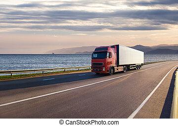 φορτηγό , επάνω , ένα , δρόμοs , κοντά , ο , θάλασσα