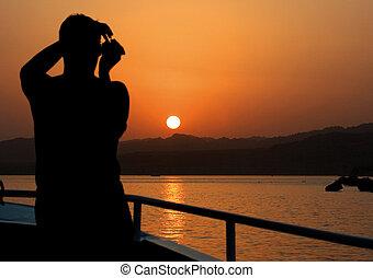 φωτογράφος , επάνω , ο , yacht., θάλασσα , ηλιοβασίλεμα