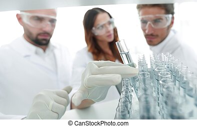 φόντο , εικόνα , βρίσκομαι , ένα , σύνολο , από , επιστήμονες , εξεζητημένος , ο , υγρό , μέσα , ο , γυαλί , tube.