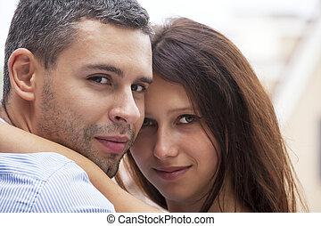 χαμογελαστά , αγάπη , ζευγάρι , ευτυχισμένος