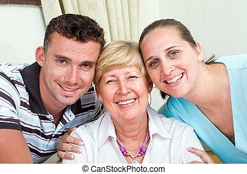 χαμογελαστά , οικογένεια