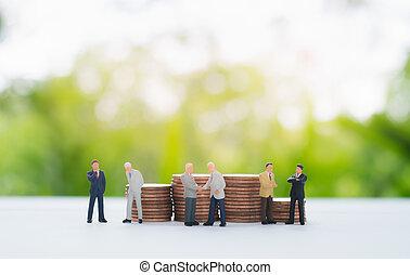 χειραψία , κουβεντιάζω , κέρματα , negotiating., μινιατούρα , πίσω , επιχειρηματίας , θημωνιά