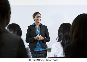 χορήγηση , επιχειρηματίαs γυναίκα , ινδός , διάλεξη