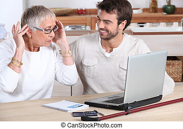 χρησιμοποιώνταs , γυναίκα , ηλεκτρονικός υπολογιστής , ...