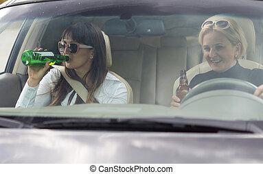 χρόνος , partying , πόσιμο , οδήγηση , γυναίκεs