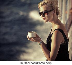 όμορφος , ακινησία , καφέs , γυναίκα , κύπελο , κορίτσι