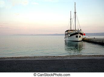 όμορφος , βάρκα