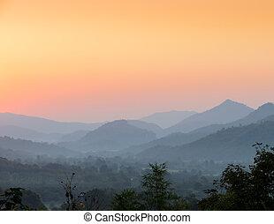 όμορφος , βουνά , πάνω , ηλιοβασίλεμα , βλέπω