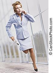 όμορφος , επιχειρηματίαs γυναίκα , τρέξιμο