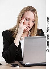 όμορφος , επιχειρηματίαs γυναίκα , laptop , καυκάσιος , εργαζόμενος